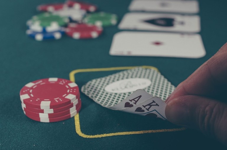 How to Successfully Play Poker Online