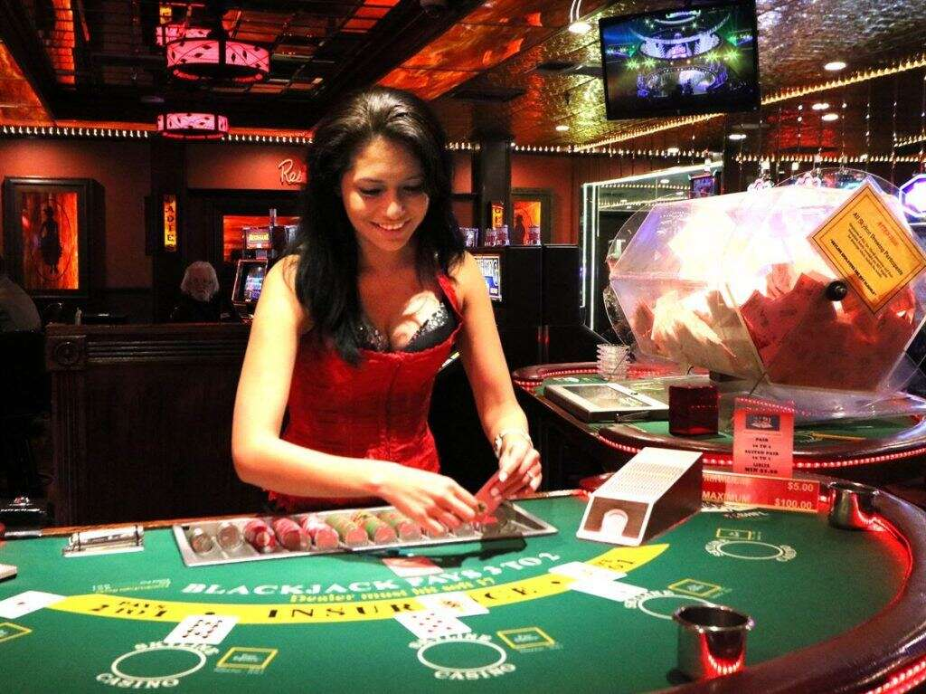 How to Play the Game of Poker? Your Complete Guide