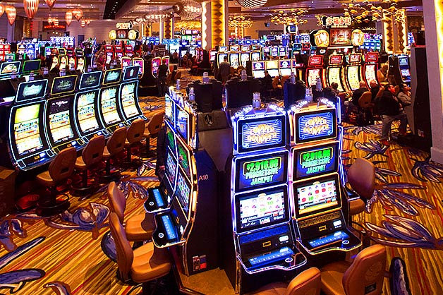 Why playing slots is more easier than any other games?