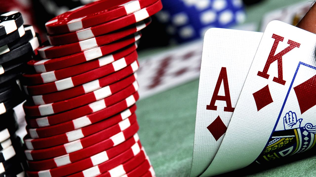 Some Poker Strategies to Help You Win Money in Poker
