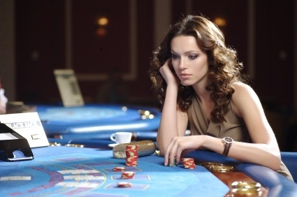 Learn How to Enjoy Playing At Online Casinos