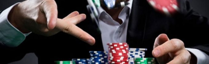 What are the advantages of playing online gambling games