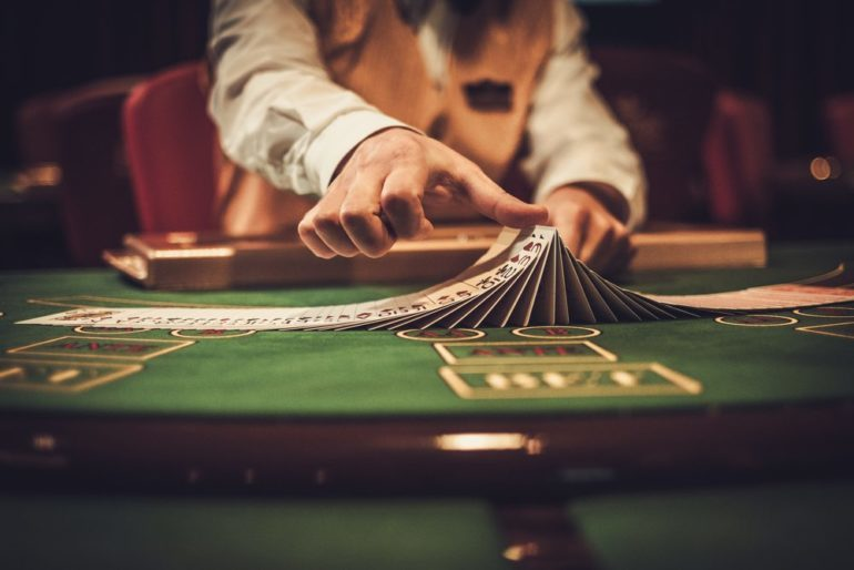 What are the advantages of playing gambling games