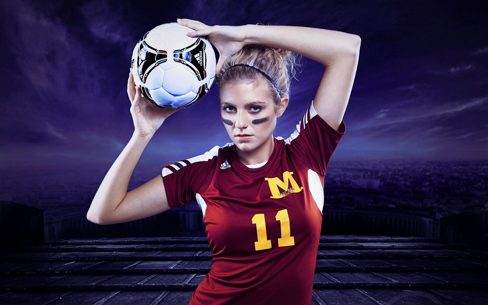 Make contact with the most reliable football gambling agent and get the desired services